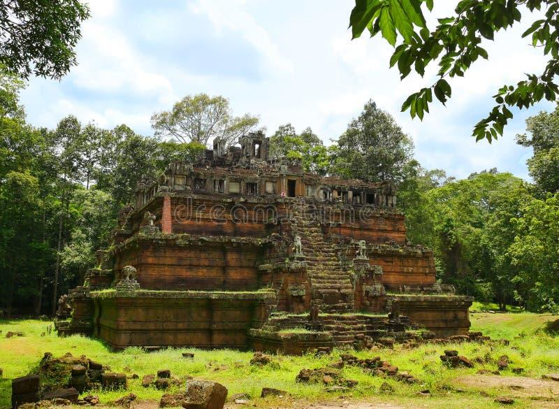 Phimeanakas tempel på Angkor Thom royaltyfria bilder