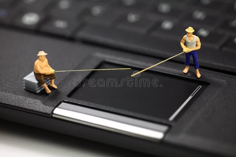 Phishing do computador e conceito do roubo de identidade imagens de stock royalty free