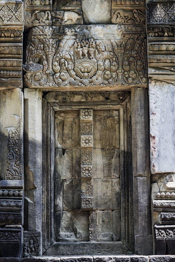 Download Phluang圣所前面在素林,公共场所 库存图片. 图片 包括有 岩石, 圣所, 历史, 遗产, 有历史 - 72370697