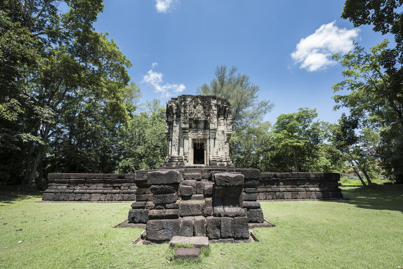 Download Phluang圣所在素林,公共场所 库存图片. 图片 包括有 雕刻, 布琼布拉, 砂岩, 高棉, 信念, 安哥拉猫 - 72370221