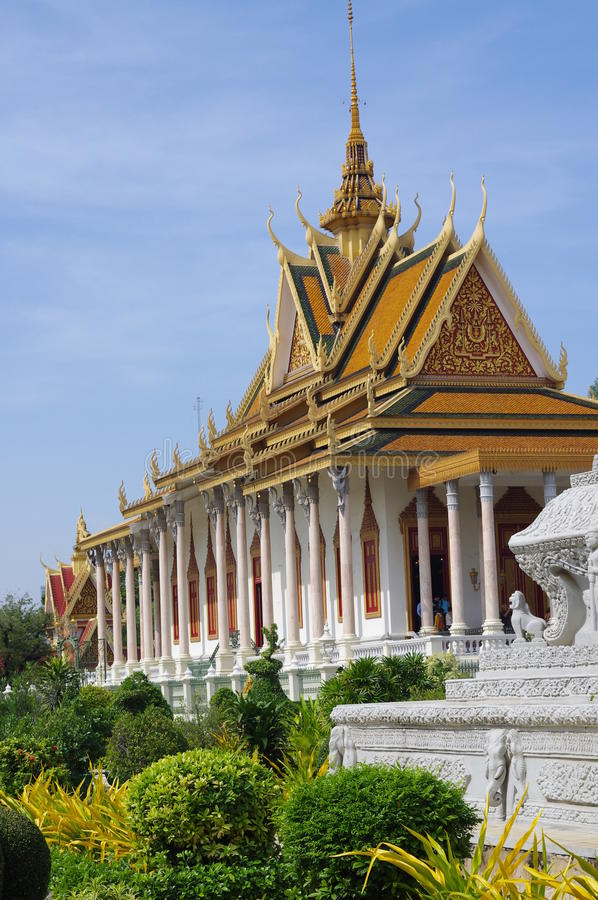 Download The Silver Pagoda In Phnom Penh Stock Photo - Image: 39875923