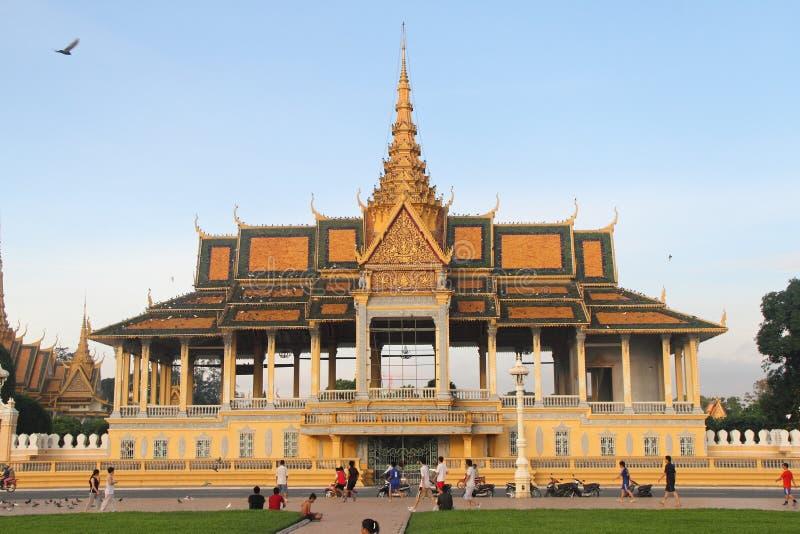 Download Phnom Penh Royal Palace editorial photo. Image of southeast - 16220701