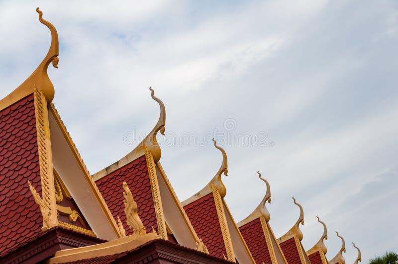 Phnom Penh Royal Palace camboyano - detalles del tejado fotos de archivo