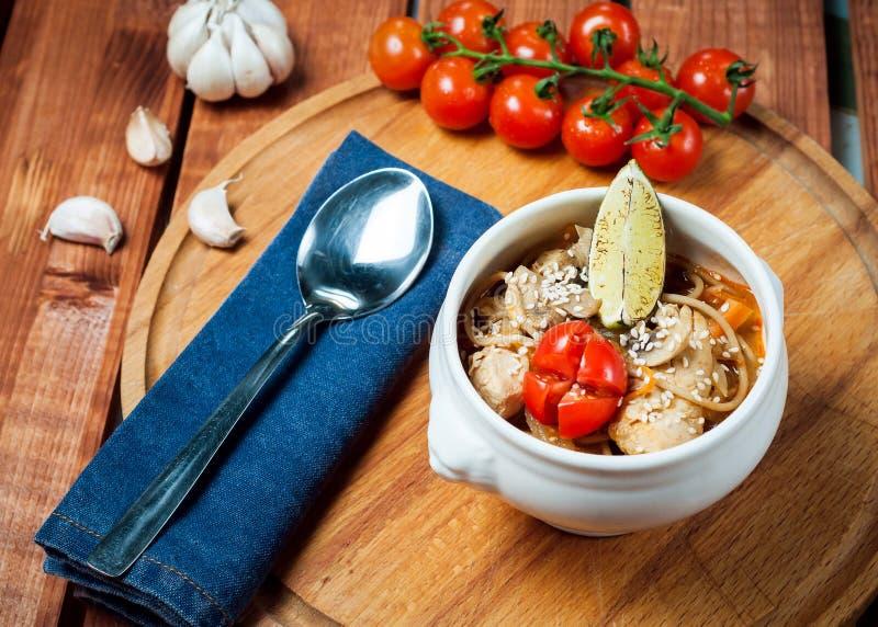 Pho BO - soupe de nouilles de poulet, nourriture thaïlandaise photo stock
