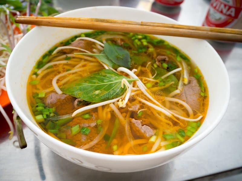 Pho traditionnel vietnamien BO étoffent la soupe de nouilles photos libres de droits