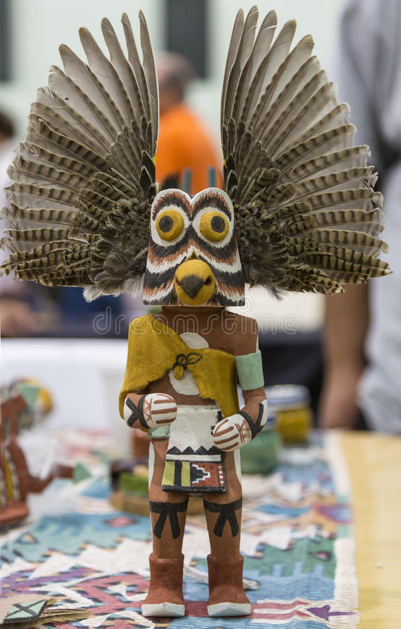 Phoenix, Arizona, Hopi, Indien d'Amerique, natif américain, Kachina, poupée,   artiste, musée traditionnel et entendu, découpant,  images libres de droits
