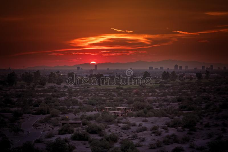 Phoenix, Arizona pejzaż miejski podczas zmierzchu obrazy royalty free