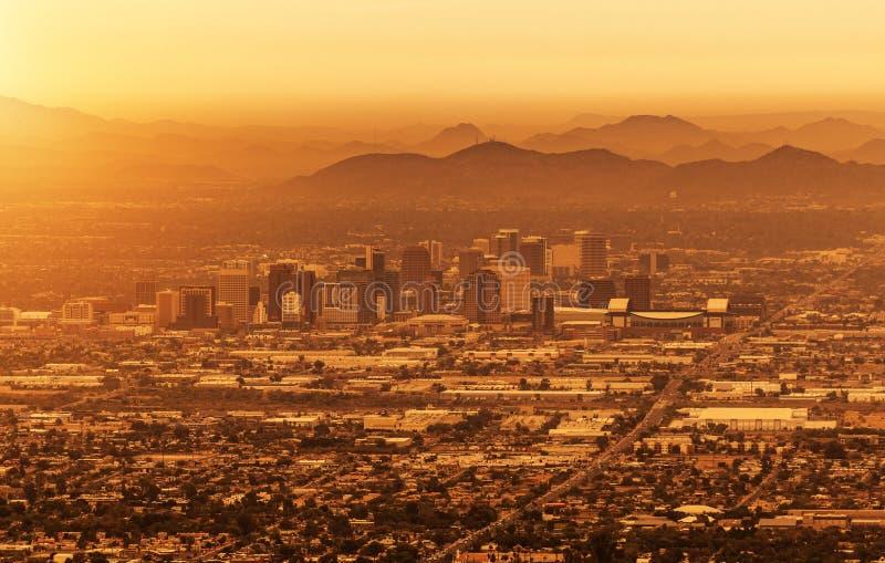 Download Phoenix Arizona Pejzaż Miejski Obraz Stock - Obraz złożonej z zlany, plenerowy: 106917525