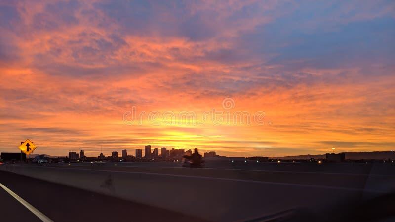 Phoenix W centrum linia horyzontu, Arizona fotografia stock