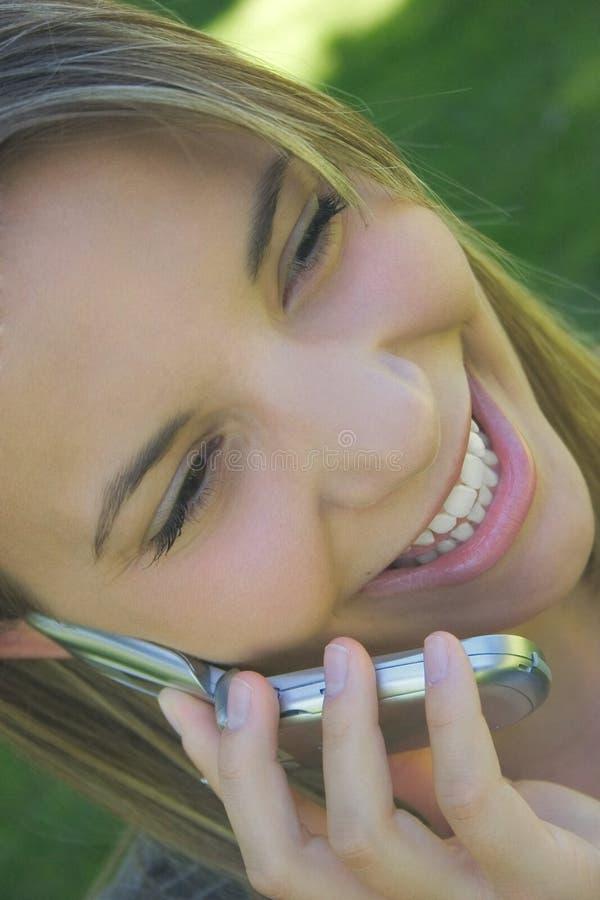 Download Phone kvinnan fotografering för bildbyråer. Bild av nätt - 27197