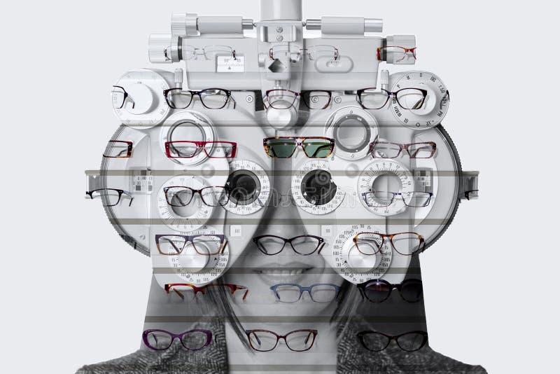 Phoropter de double exposition et exposant des verres photos libres de droits
