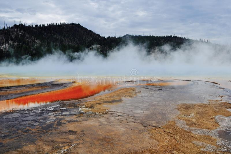 Photo étonnante de piscine dans Yellowstone photo stock