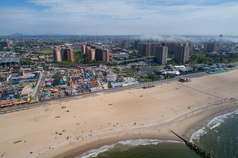 Photo aérienne de bourdon de Coney Island New York Etats-Unis image stock
