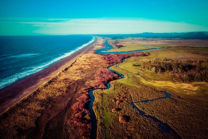 Photo aérienne de nouvelle rivière, Orégon image stock