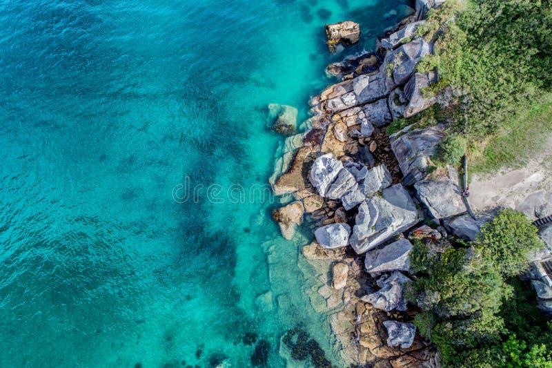 Photo aérienne de Sydney - baie de Watsons de crique de camp photographie stock
