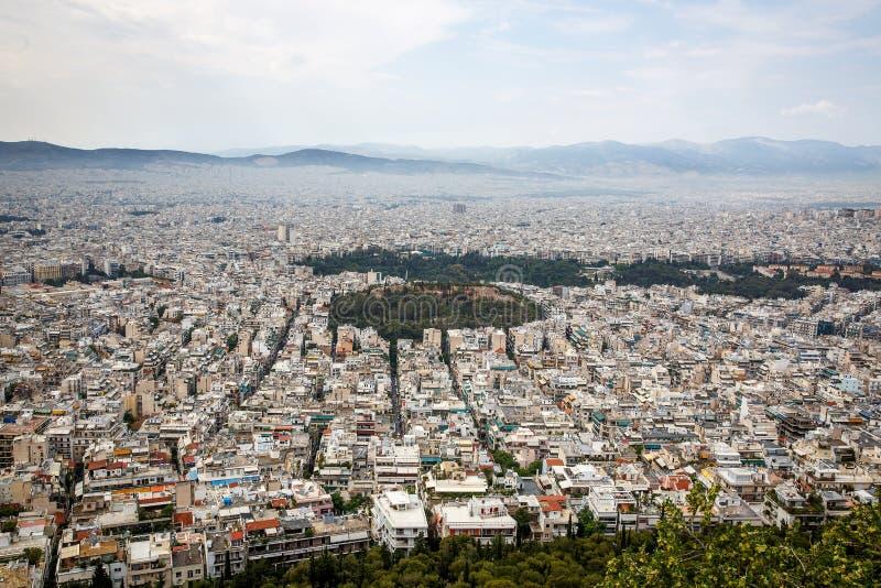 Photo aérienne de vue d'oeil d'oiseaux de ville iconique d'Athènes, Grèce Grande ville Zones résidentielles photographie stock