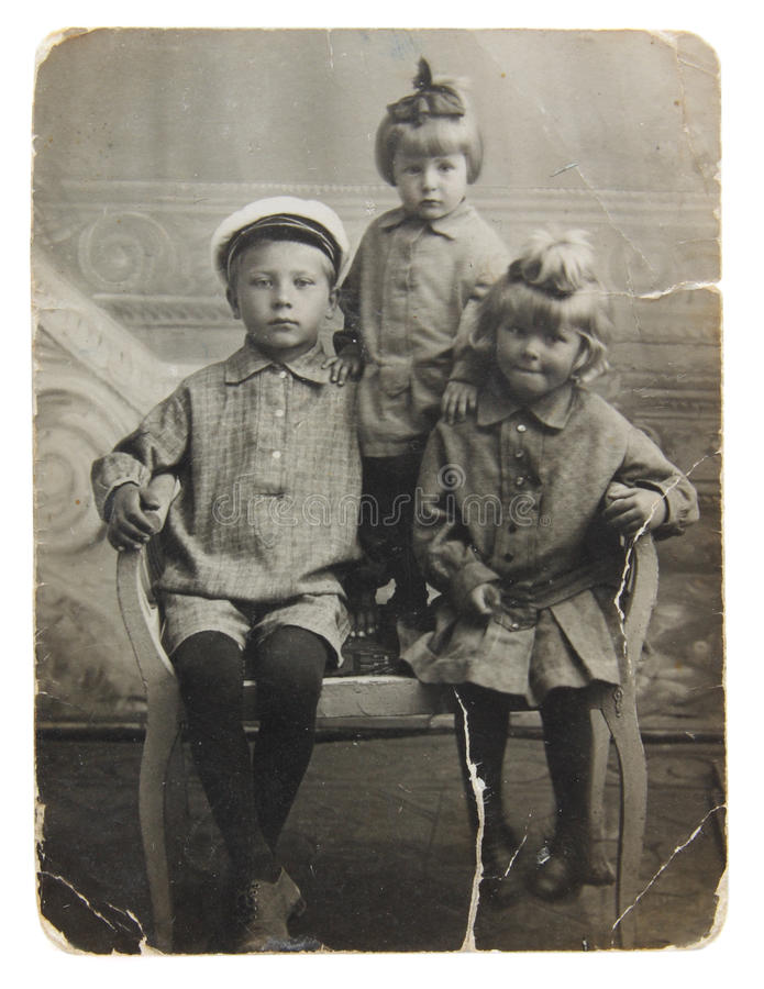 Photo antique des soeurs et du frère photographie stock