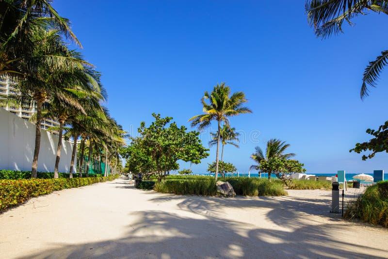Photo atlantique d'actions de FL de plage de Bal Harbour de manière photographie stock