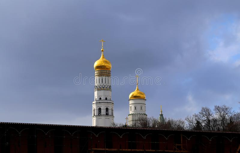 Photo of the beautiful Moscow Kremlin, the types of spring. Photo bright the beautiful landscape of the Moscow Kremlin in the spring stock photography