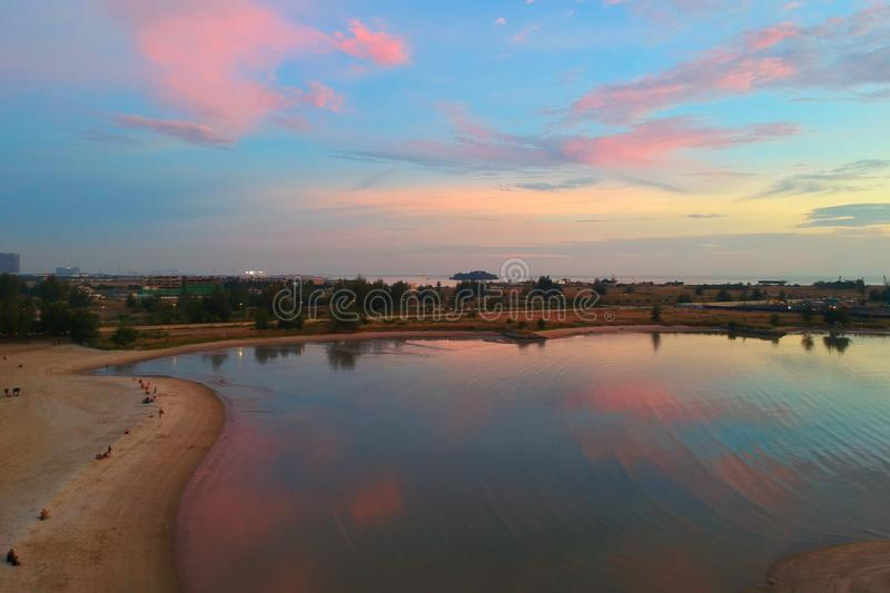 Photo Of Body Of Water Under Pink Skies Free Public Domain Cc0 Image