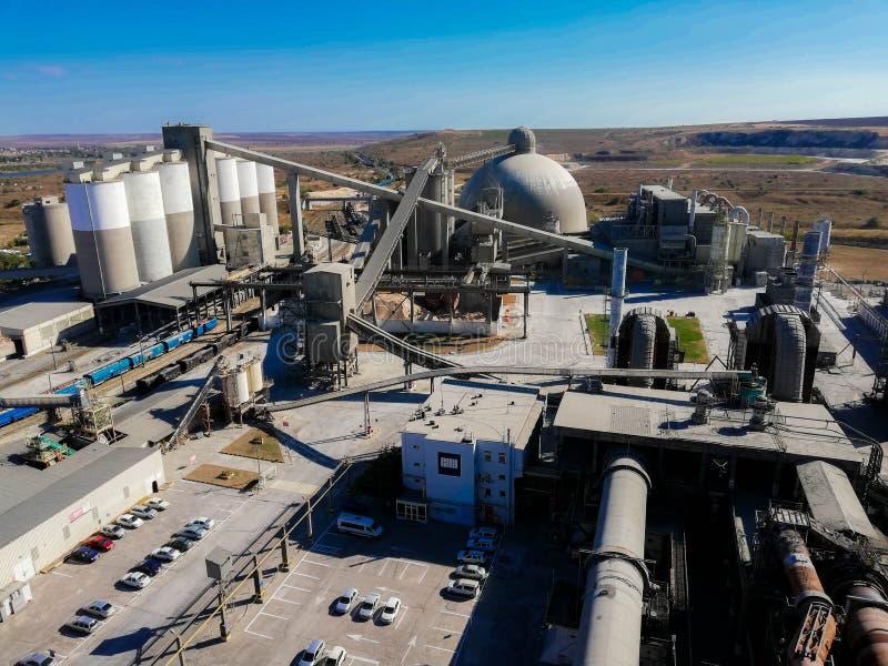 Photo concrète de toit de la Roumanie d'usine de Crh image libre de droits