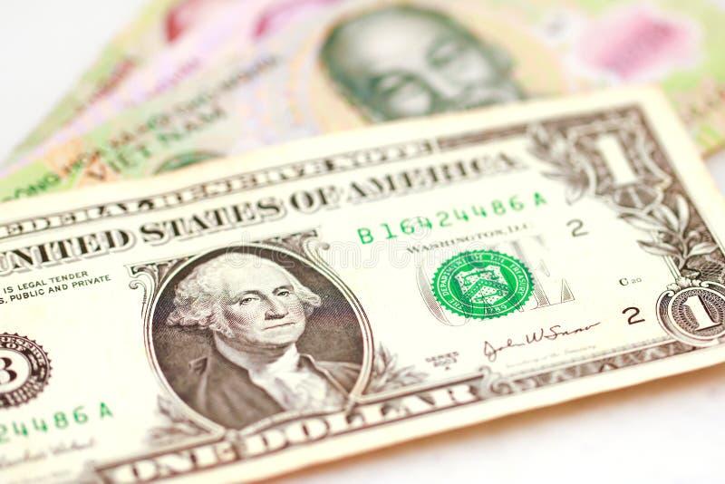 Photo courante - billets de banque vietnamiens de Dong de devise photographie stock