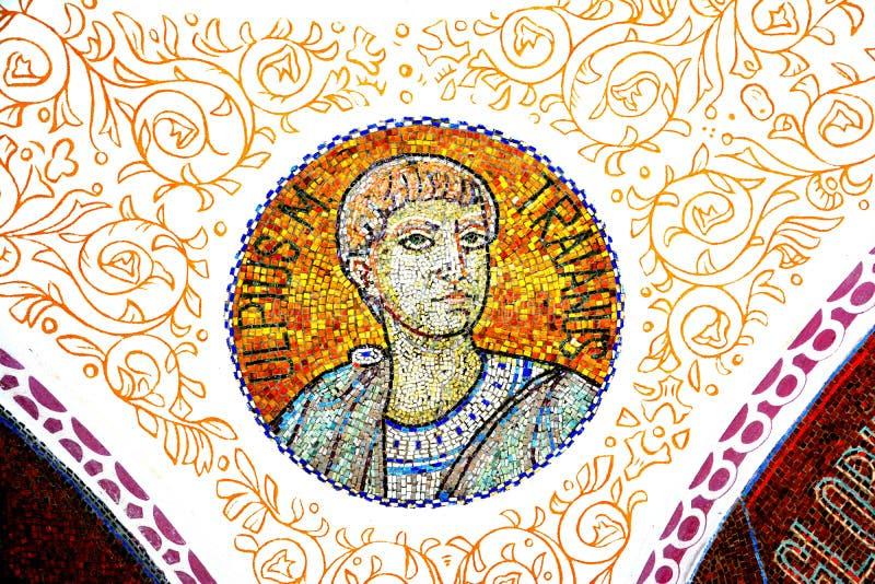 Photo d'empereur Traian, à l'intérieur du mausolée des héros dans Mateias, près de Campulung photo libre de droits