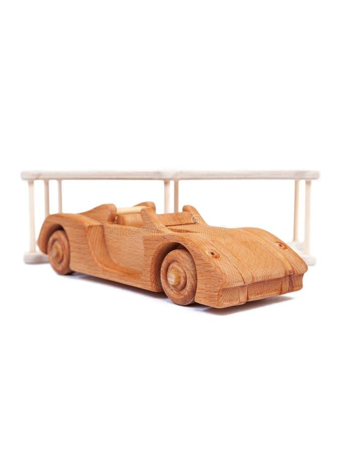 Photo d'une voiture en bois photos libres de droits