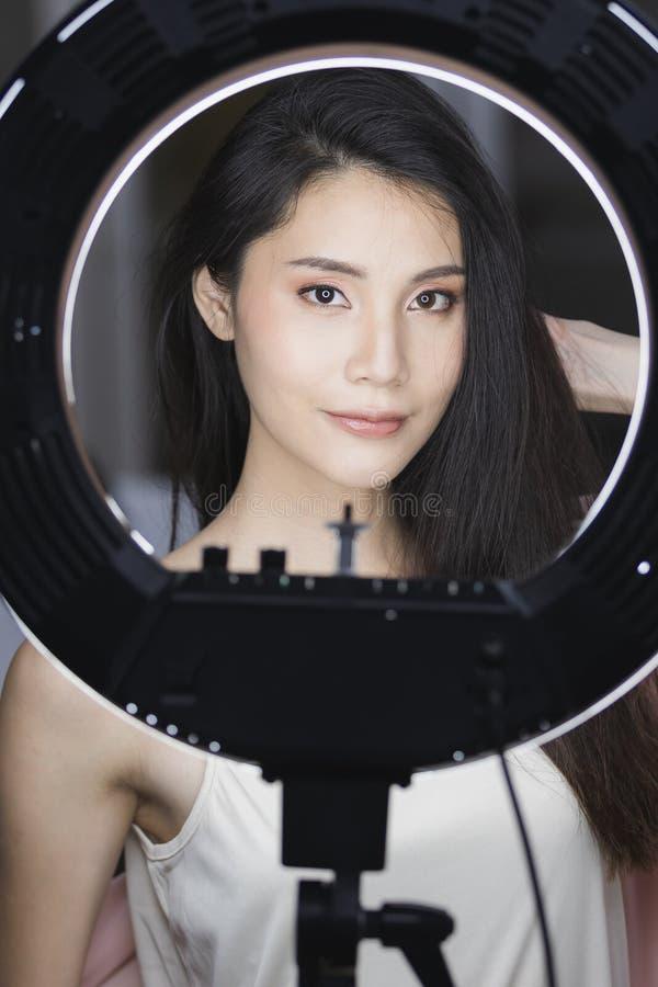 Photo de belle femme mod?le asiatique photographie stock libre de droits