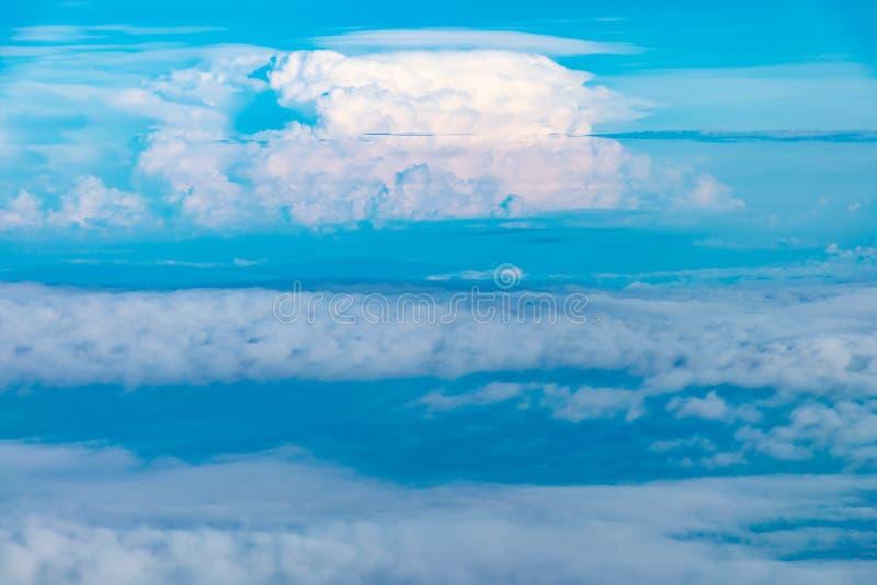 Photo de ciel des fenêtres d'avion photo stock