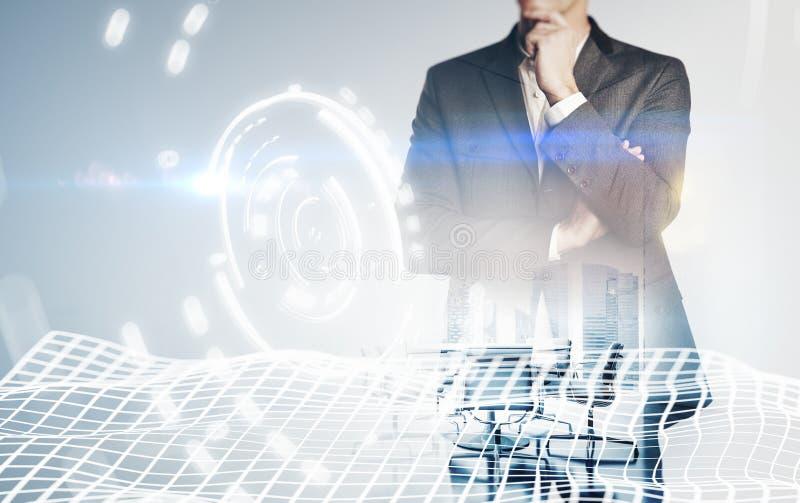 Photo de costume de port d'homme d'affaires, effets d'interfaces visuelles Double exposition, horizontale image stock