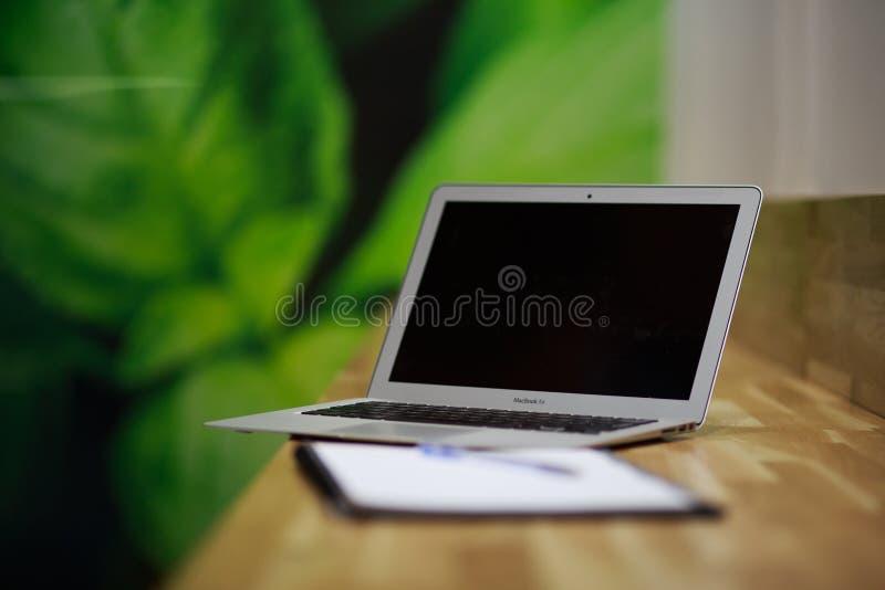 Photo de foyer sélectif de Macbook Air photo stock