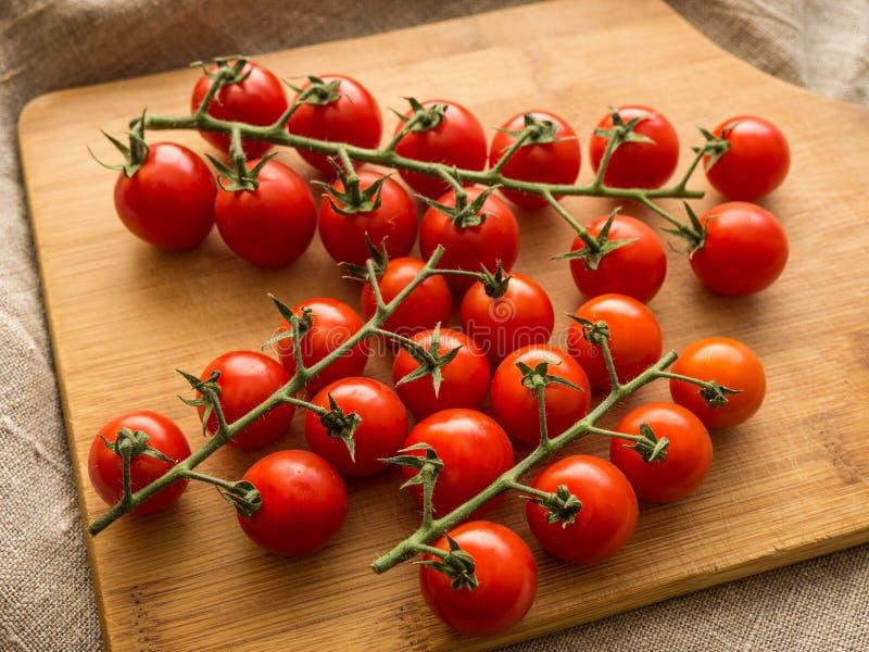 photo de groupe de tomates de Cerise-cerise image libre de droits