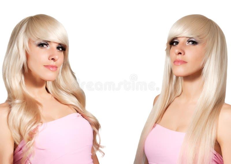 Blonde avec dénommer différent. Cheveux droits et boucles. images stock
