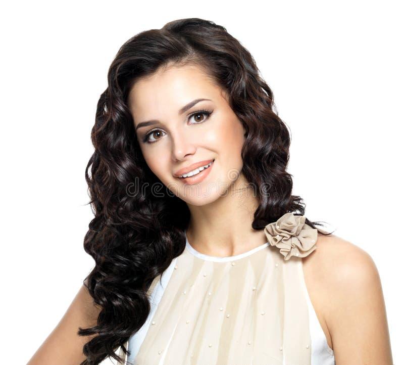 Photo de jeune femme avec le long cheveu de beauté. photo stock
