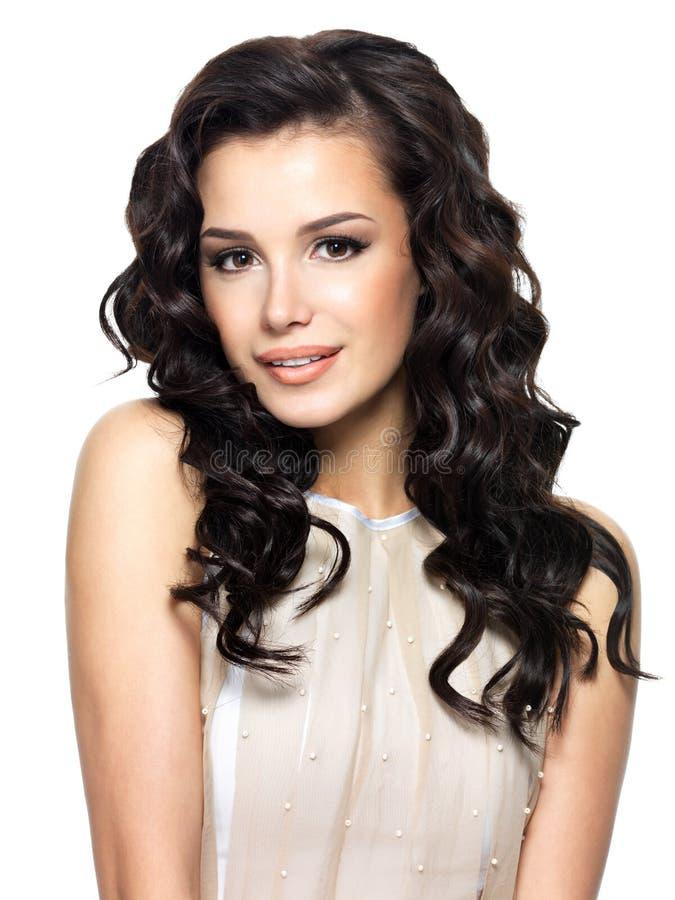 Photo de jeune femme avec le long cheveu de beauté. photos stock