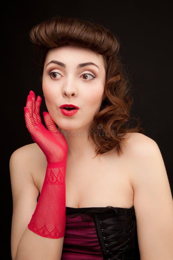 Photo de regard rétro-dénommé de femme Belle fille Pin- sexy images libres de droits
