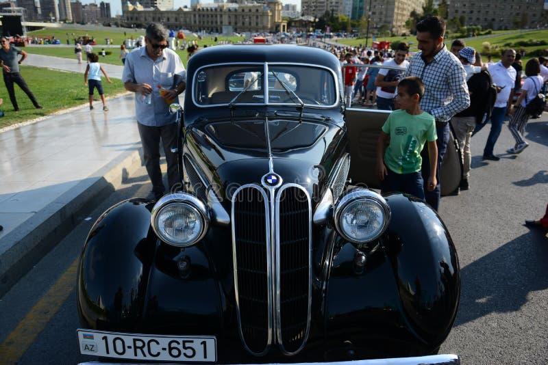 Photo de voitures de ville de Bakou vieille photo libre de droits