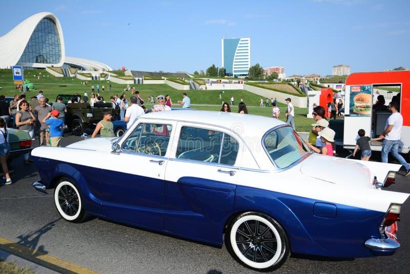 Photo de voitures de ville de Bakou vieille photographie stock libre de droits