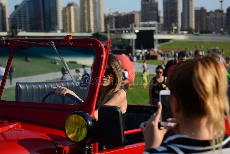 Photo de voitures de ville de Bakou vieille image stock