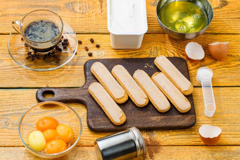 Photo des ingrédients pour le dessert photographie stock
