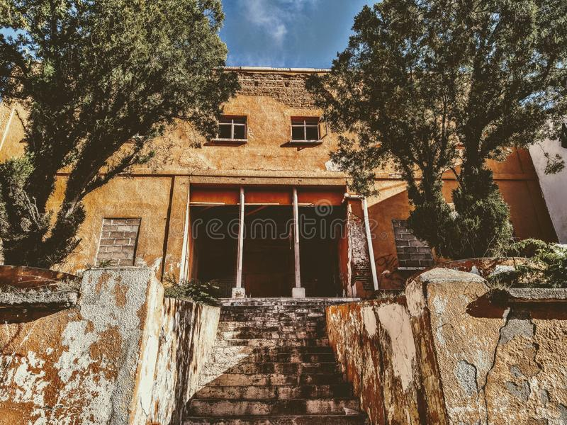 Close up to creepy abandoned house in Hidalgo del Parral royalty free stock images