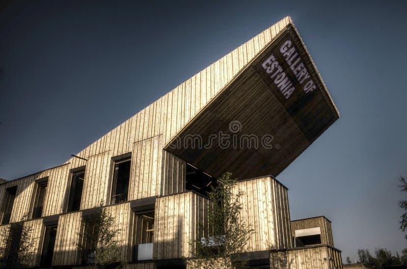 Photo foncée de HDR du grand pavillon estonien à l'EXPO 2015 de Milan photographie stock