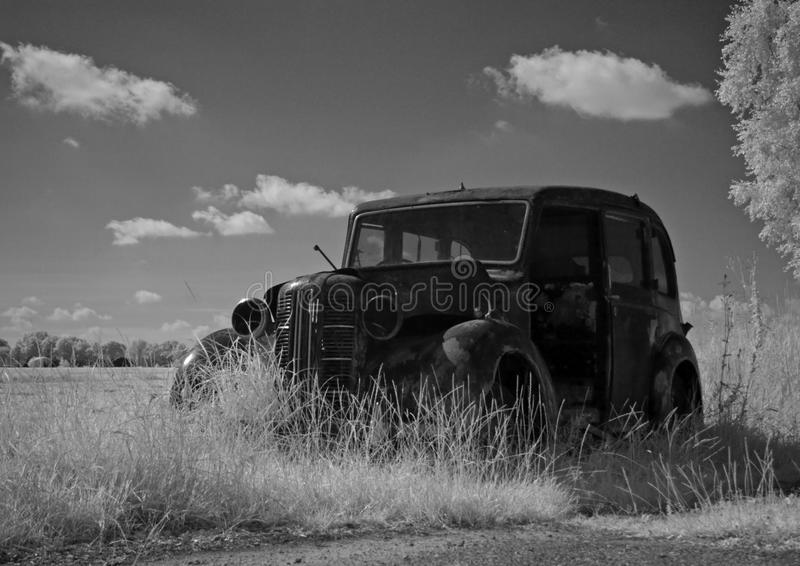Photo infrarouge d'une voiture ancienne, Pays-Bas image stock