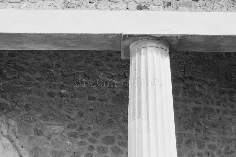 Photo noire et blanche des ruines antiques à Pompeii, Italie photographie stock