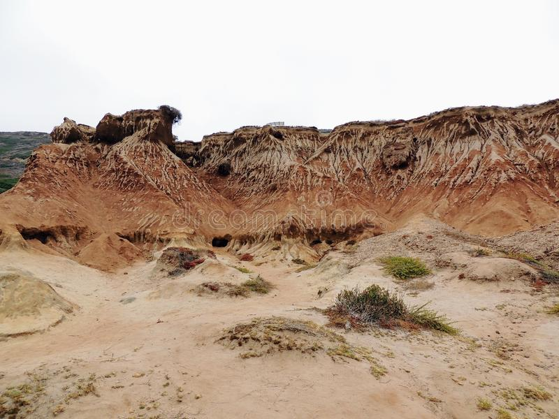 Photo panoramique aux bluffs et aux tidepools de monument national de Cabrillo Des bluffs et les tidepools côtiers sont trouvés l image stock