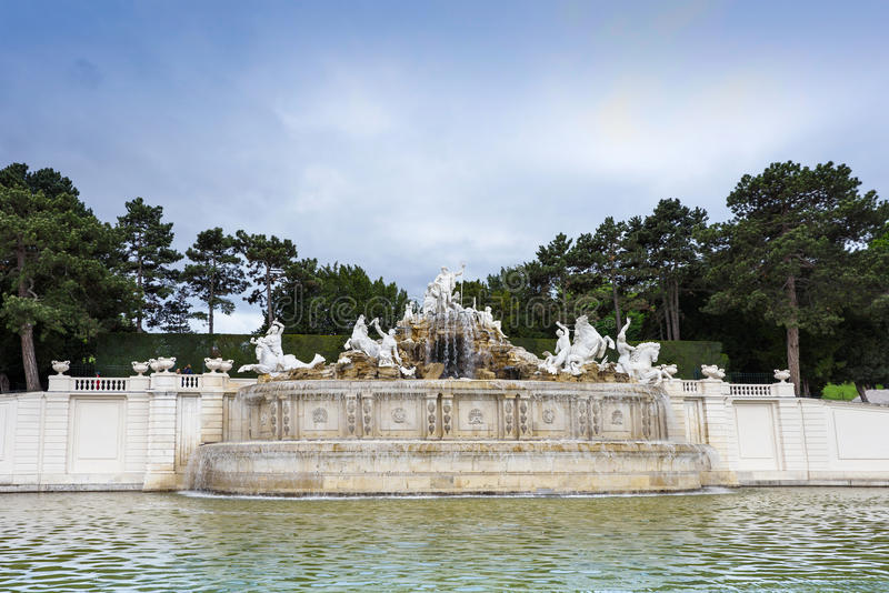 Download Photo View Of Statue And Basin At Schonbrunn Palace Editorial Photo - Image: 83703066