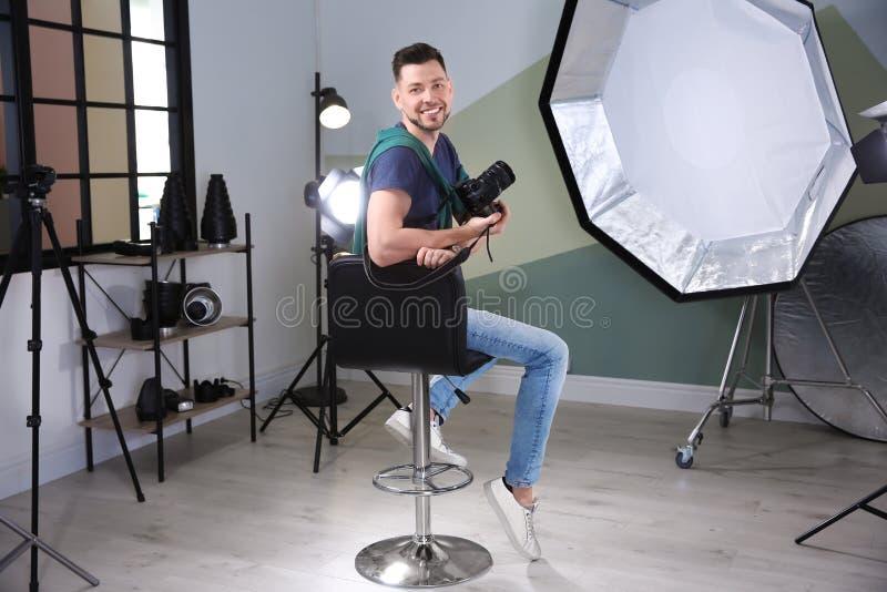 Photographe professionnel avec l'appareil-photo image stock