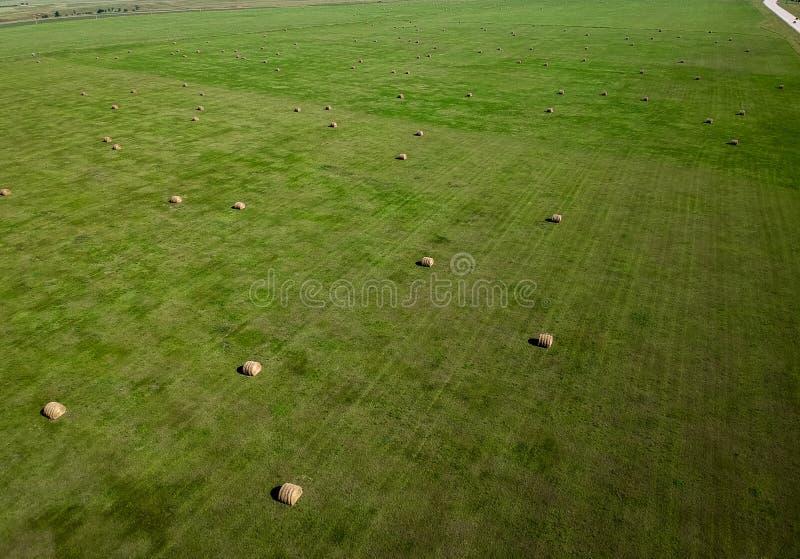 Photographie aérienne de gisement de balle de foin dans l'agriculture du Dakota du Sud photos libres de droits