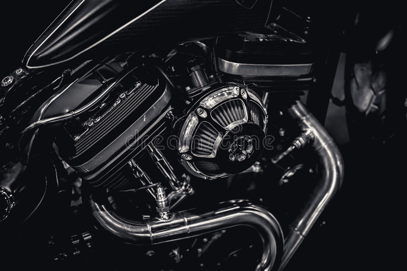 Photographie d'art de pots d'échappement de moteur de moteur de moto en noir et blanc images stock